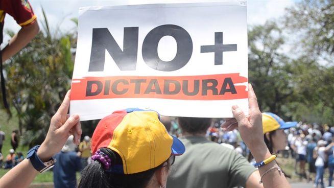 Chaos in Venezuela: Opposition befürchtet Diktatur
