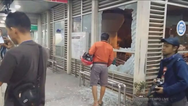 Jakarta im Fadenkreuz: Zwei Explosionen in Indonesien