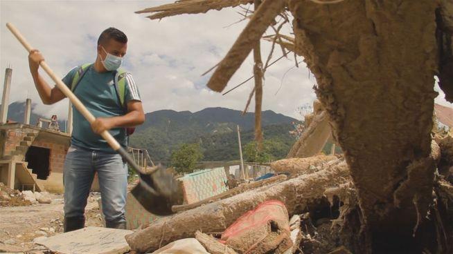 Tapfer trotz Tragödie: Schlammlawine zerstört Familie