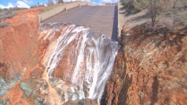 Lake Oroville: Drohne zeigt zerstörten Hochwasserschutz
