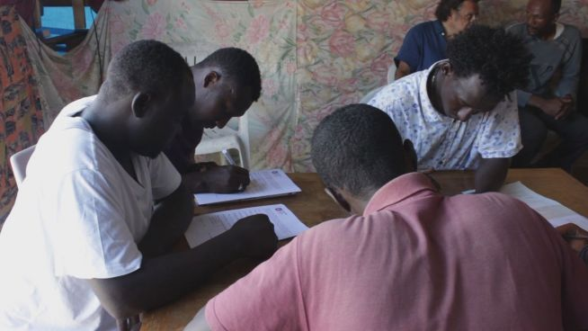 Vom Dschungel an die Uni: Stipendien für Geflüchtete