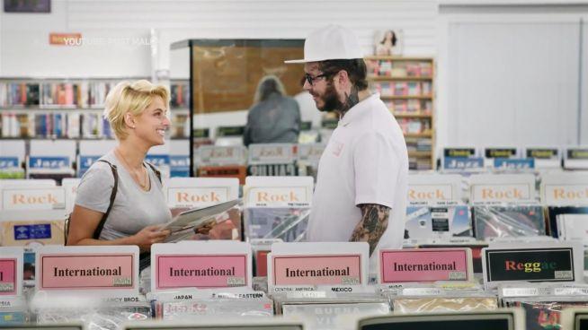 Undercover: Musiker gibt sich als Verkäufer aus