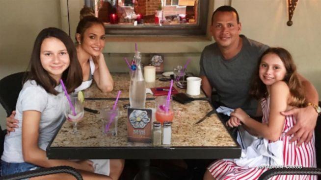 Teenagertraum: Das denken Alex' Töchter über J.Lo
