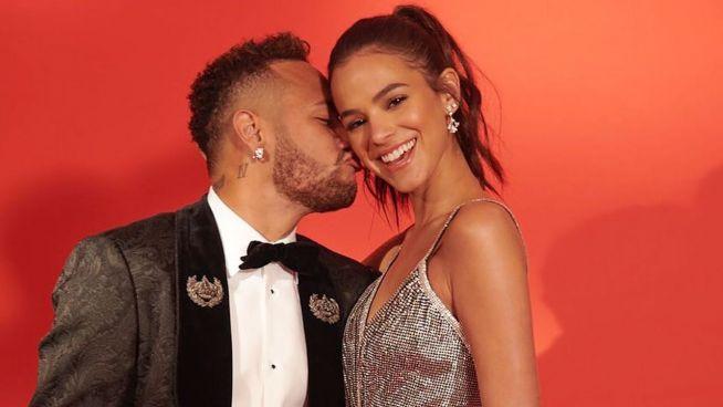 Jede Frau will eine Nase wie die von Neymars Freundin
