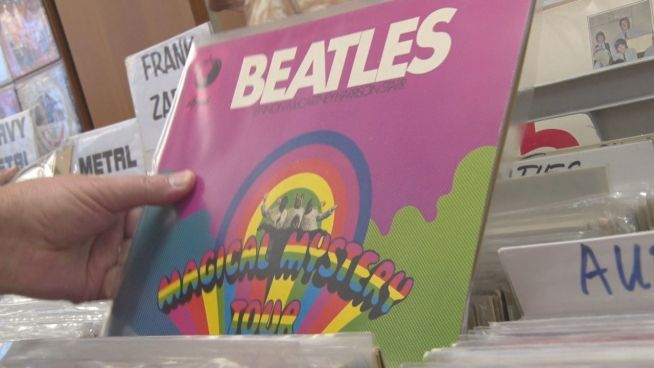 Verrückt nach Beatles: Sammler auf der Plattenbörse
