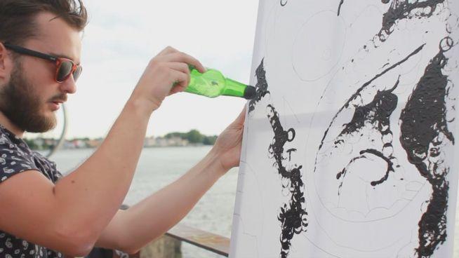 Malen mit Bier: Franzosen verbinden Party mit Kunst