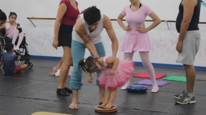 Tanz im Dunkeln: Erste Ballettschule für Blinde