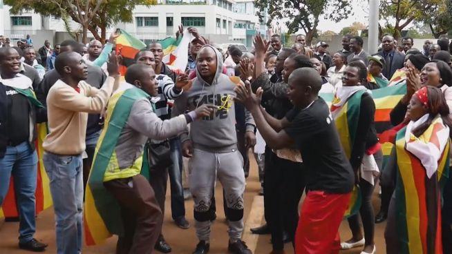 Simbabwe: 37 Jahre 'Freiheit' unter Dikatator Mugabe