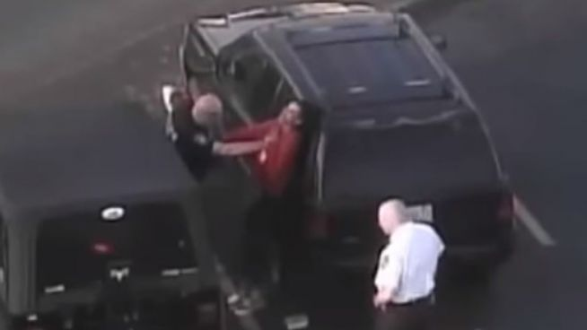 Brutal: US-Polizist verprügelt 15-jähriges Mädchen