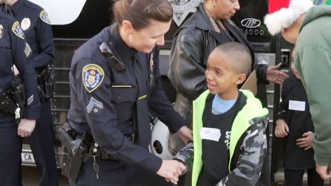 Für Recht und Einkauf: Polizei als Freund und Shopper