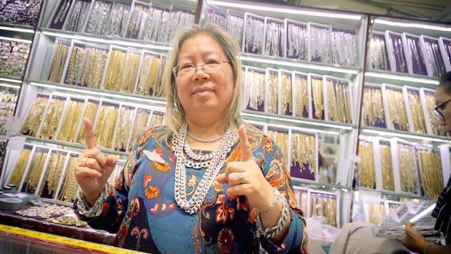 New Yorks Goldketten-Frau